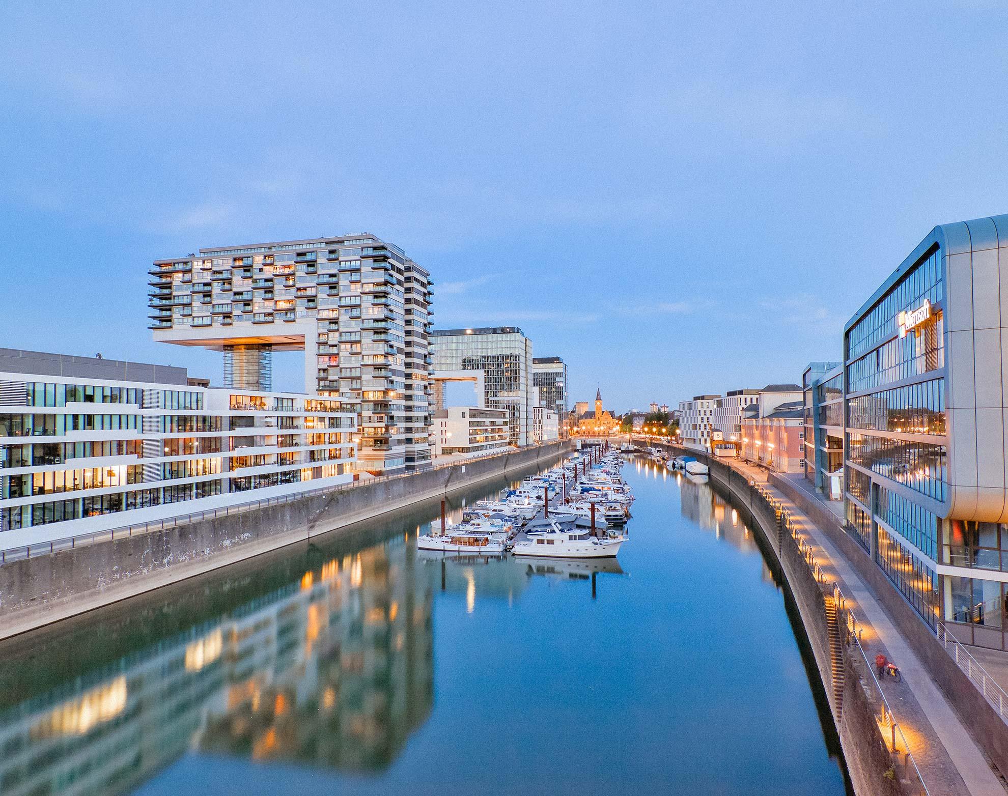 Wohnmobil mieten in Köln jetzt online und flexibel